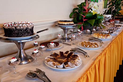queen s court restaurant dessert table offered on weekend flickr rh flickr com  hilo hawaiian hotel seafood buffet