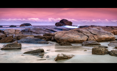 sunrise dawn rocks tide indianocean rocky wideangle mauve margaretriver hdr redgate cokin southwesternaustralia redgatebeach afsdxzoomnikkor1755mmf28gifed graduatefilter ssgeorgette nikond300s kctanphotography