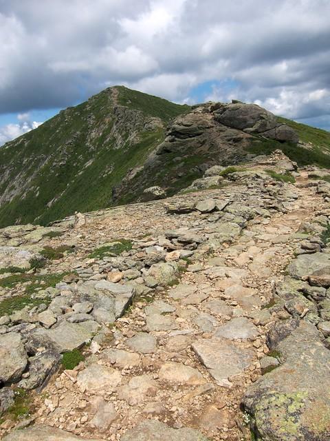 2:44:05 (46%): hiking newhampshire whitemountains franconianotch mtlafayette franconiaridgetrail mtlincoln franconiarange