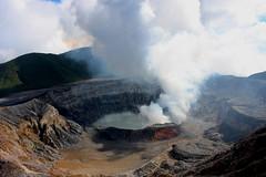 Main crater, Poás Volcano National Park / El cráter principal, Parque Naciónal Volcán Poás