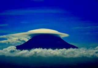 big lenticular over Pico