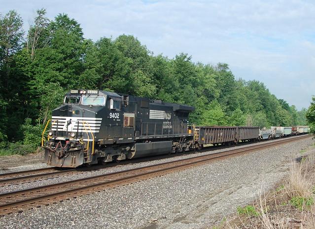 NS#9402 EAST CO RD 500E NS TRAIN 68V 6-16-11 THURSDAY