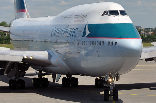 Cathay Pacific 747-412 B-HKF   by caribb