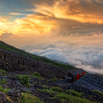 FUJI HOUSE ABOVE THE CLOUDS