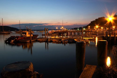 longexposure sunset night boats harbor twilight longisland flares northport northportharbor pwpartlycloudy