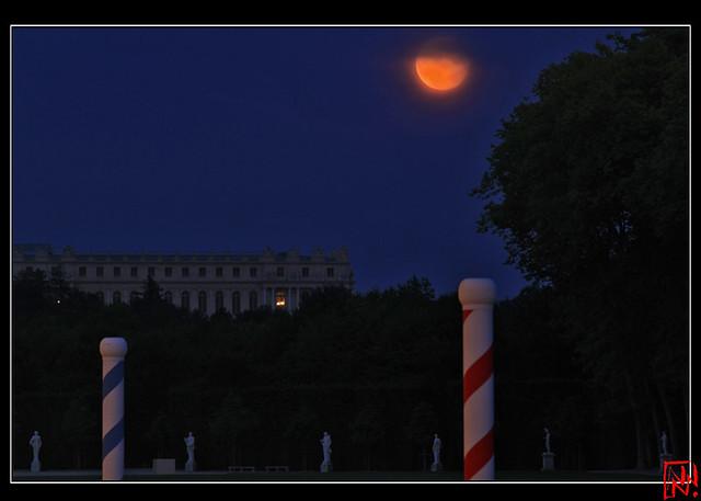 La Lune rousse sur l'Aile du Midi....