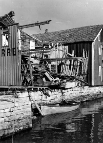 Ødelagt brygge Hemnesberget, sommeren 1940