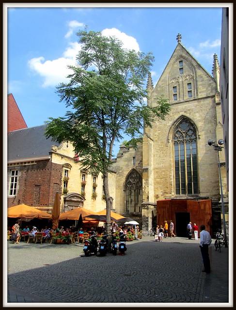 Brasserie Amadeus / Dominicanen Kerk / Boekhandel Dominicanen / Maastricht