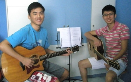 Adult guitar lessons Singapore Raynor