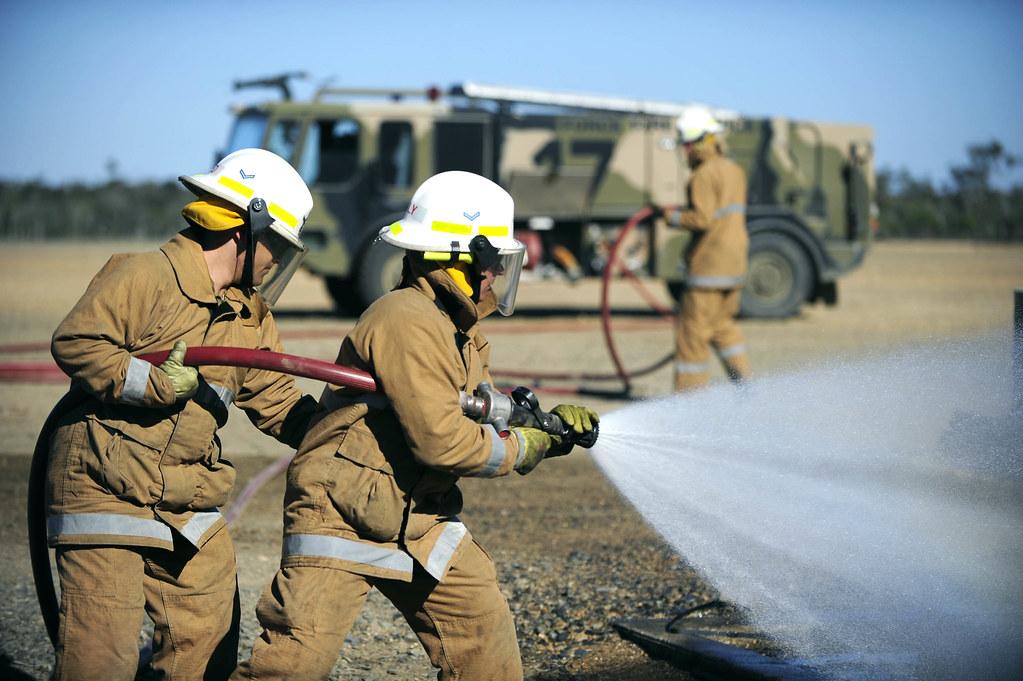 20110726adf8266070 156 Jpg Raaf Firefighter Leading
