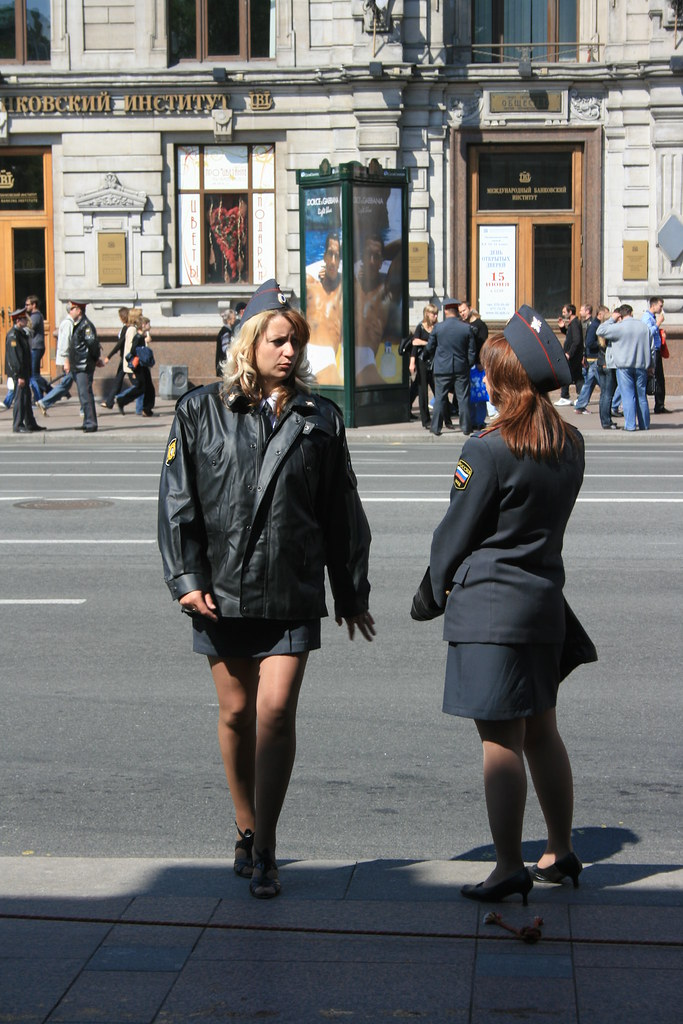фото девушки милиции в юбках - 9
