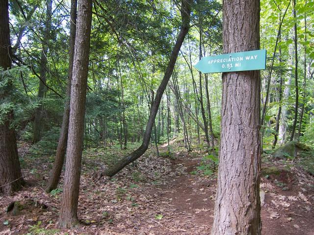 0:13:18 (15%): sign vermont bradford hiking wrightsmountain wrightsmountaintrail