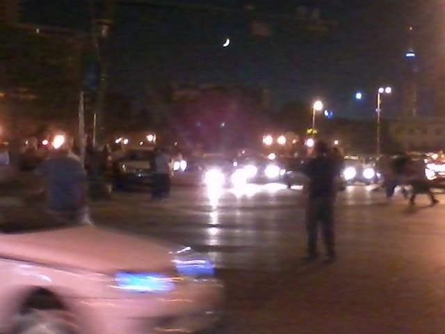 شاب ينظم المرور #tahrir 25/7/2011
