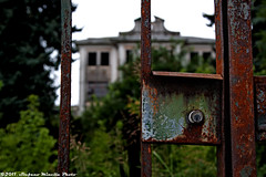 #65 Abandoned Hospital - Lock Bokeh (1)