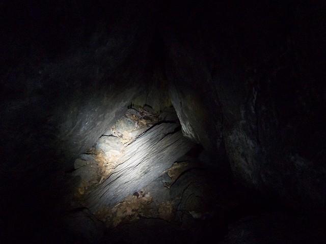 1:08:09 (74%): vermont bradford hiking cave devilsden wrightsmountain