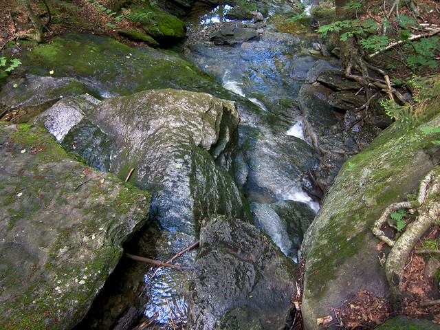 0:31:23 (15%): waterfall vermont hiking greenmountains mthunger waterburytrail mtwhiterock