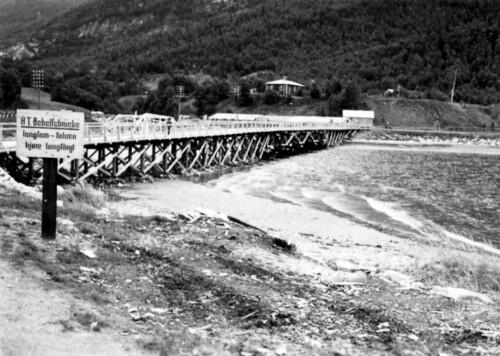 Provisorisk bru som tyskerene laget ved Stien.