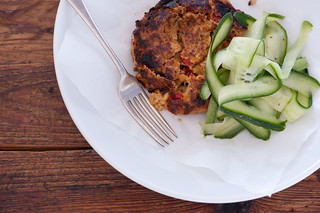 chickpea burgers with yoghurt sauce | by jules:stonesoup
