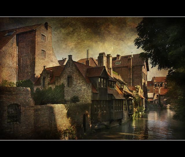 Bruges: case sui canali