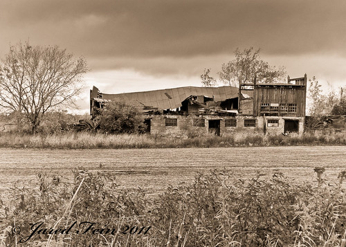 old storm sepia barn farm sewerdoc ©jaredfein mygearandme blinkagain