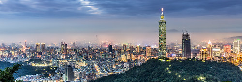 taipei101 skyline landscape skyscraper 台北101 台灣 風景 拇指山 cityscape city canon canoneos5dmarkiii building 101 urban outdoor horizontal nopeople taiwan taipei capitalcity highangle color tone 象山隧道 觀音山 sunset night panorama cloudy 夜景 四獸山步道 fog 平流霧 locallandmark 6y t