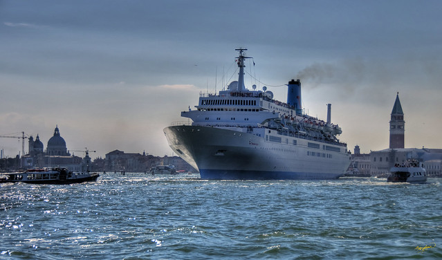 The MS Thomson Spirit - setting out from Venice