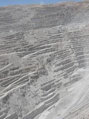 wo, 11/11/2009 - 19:28 - 14_ De put van de kopermijn Chuquicamata is 1 km diep