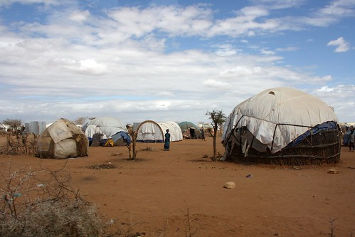 Refugee shelters in the Dadaab camp, northern Kenya, July 2011 | by DFID - UK Department for International Development