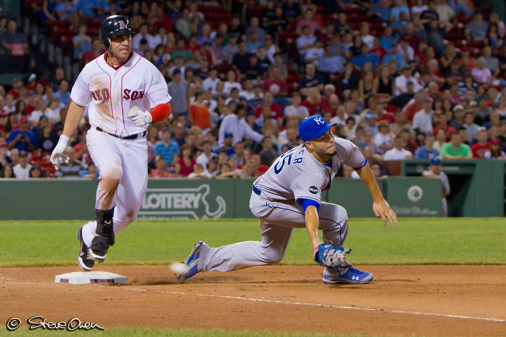Jacoby Ellsbury is safe at first
