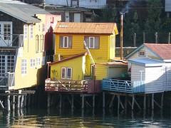 ma, 25/05/2009 - 20:04 - 49_ palifito_ Castro_ bij hoogwater kan je boot afmeren aan je balkonnetje