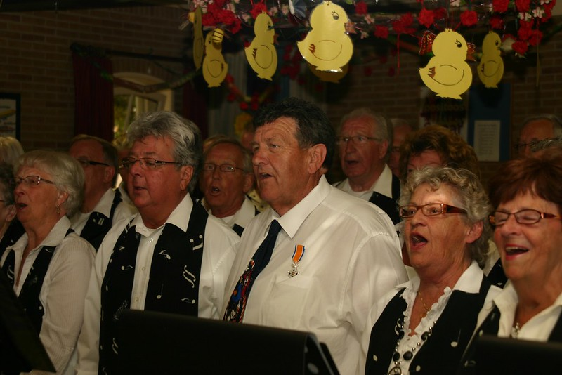 Een lintje voor Piet de Bakker 29-4-2011