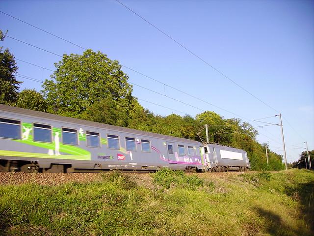 Train corail Intercités près de Pouilly-sur-Loire