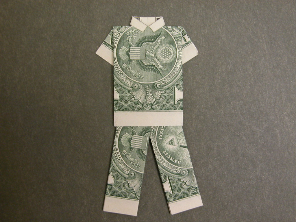 Dollar Bill Origami Pants: Fold in 8 Steps - The Daily Dabble | 768x1024