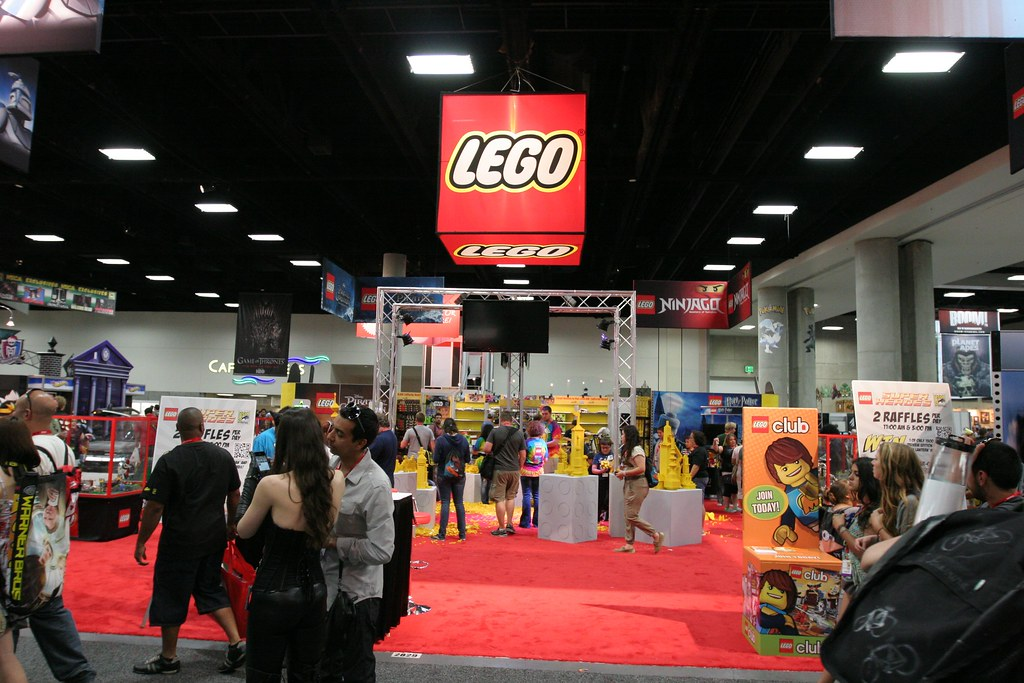 LEGO Booth - San Diego Comic Con | From Bricks To Bothans