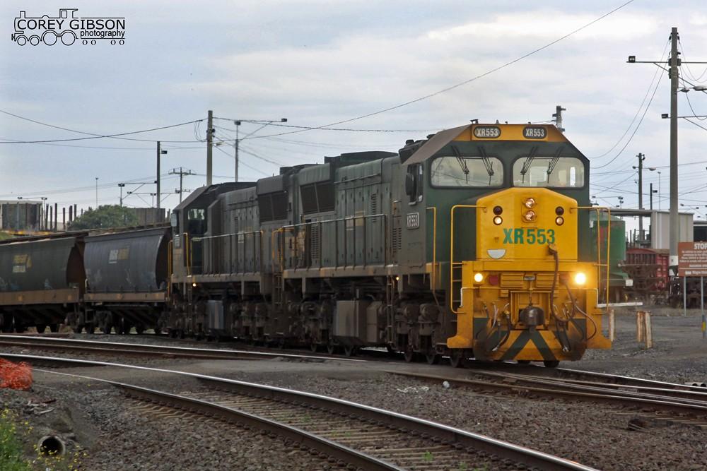 XR553 leaving the Geelong Grain Loop by Corey Gibson