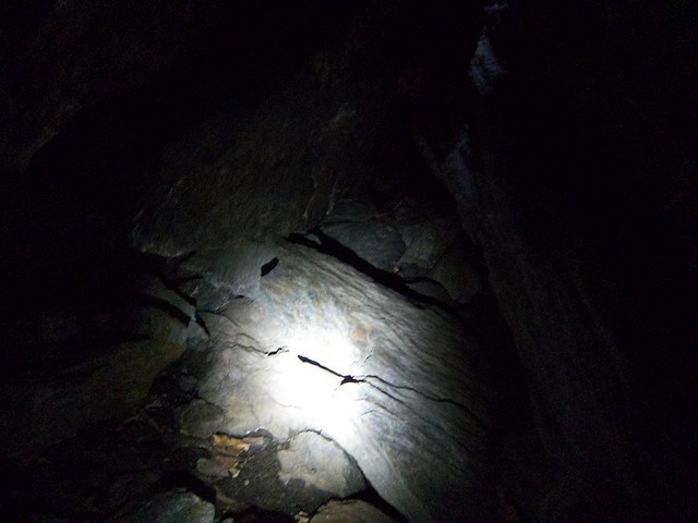 1:10:05 (77%): vermont bradford hiking cave devilsden wrightsmountain