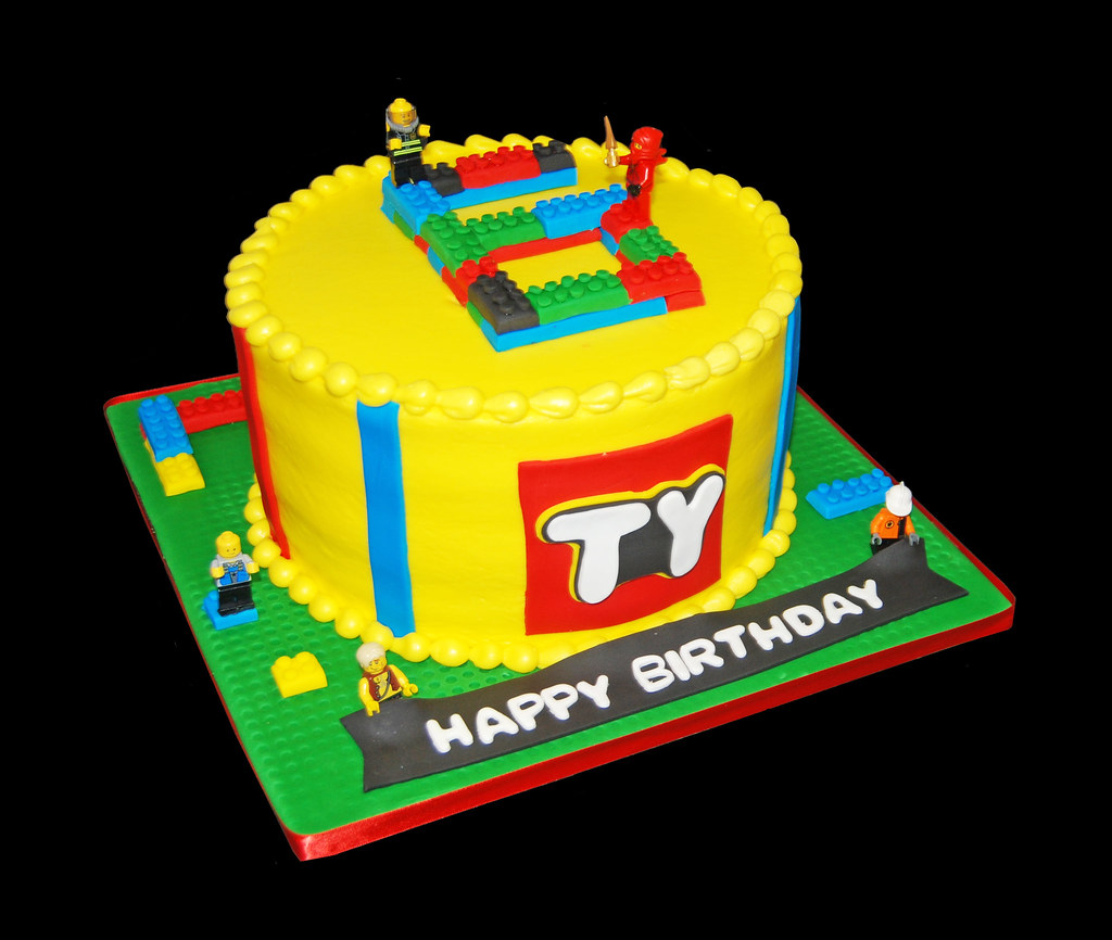 Tremendous Building Blocks Cake For A Lego Themed Birthday Party Flickr Funny Birthday Cards Online Barepcheapnameinfo