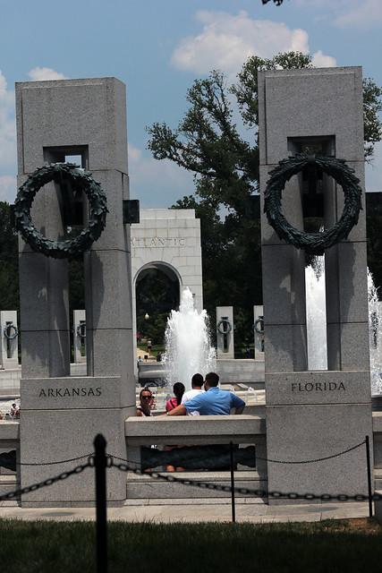 3271 WW II Memorial