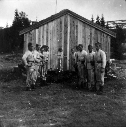 Bergjegere steller graver på Svenningtjønn, øverst i Svenningdalen