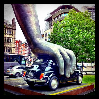 """Playing with the city – my angle on Lorenzo Quinn's """"Vroom Vroom"""" #art #sculpture"""