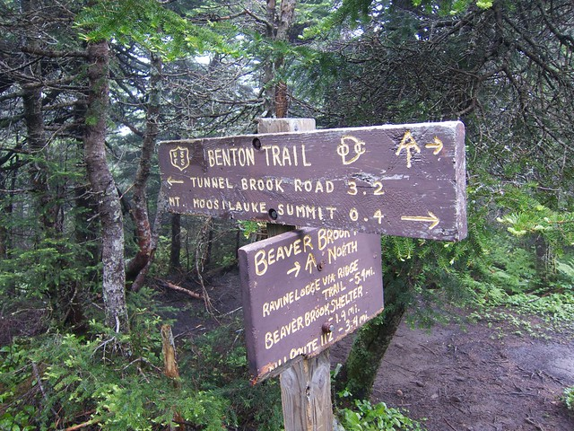 1:43:59 (79%): sign hiking newhampshire whitemountains mtmoosilauke bentontrail