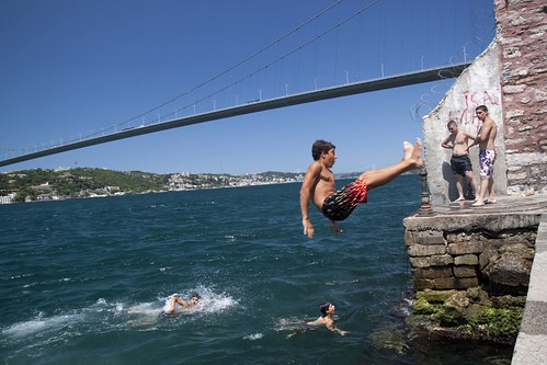 Swimming in Bosporus | by dietertitz.de