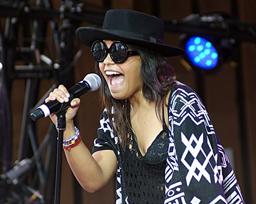 Fefe Dobson | by 5of7