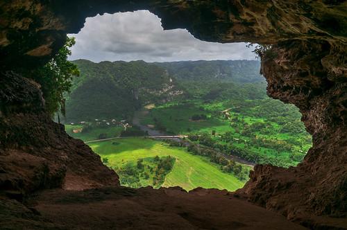 landscape outdoors puertorico hiking cave utuado nikon1224mmf4 nikond300s cuevaventana