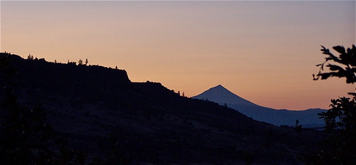 sunrise southernoregon jacksoncounty roguevalley lowertablerock mtmcloughlin southwesternoregon uppertablerock