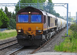 66143 works the 6H50 Willesden to Tunstead cement empties at Harrow and Wealdstone on 30-7-11. Copyright Ian Cuthbertson