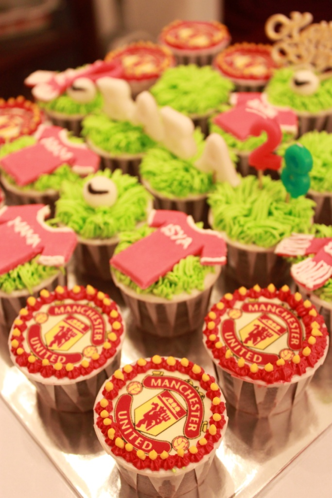 bcc037 2011 manchester united fc cupcakes order from rose flickr flickr
