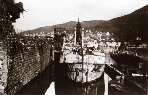 Den ødelagte havnen i Narvik 1940
