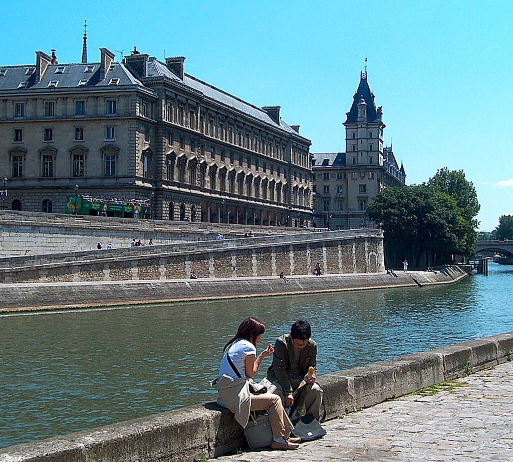 Paris Quai 02