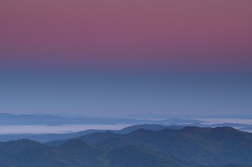 pink mountains fog sunrise georgia dawn haze view scene appalachianmountains brasstownbald valleyfog blairsvillega distantmountains
